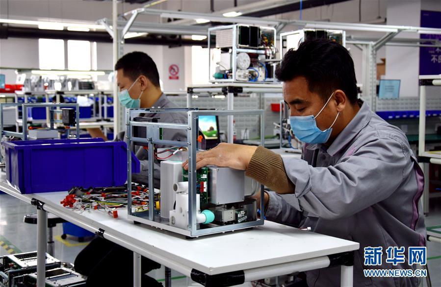 (聚焦疫情防控)河北:开足马力生产呼吸机保障市场供应